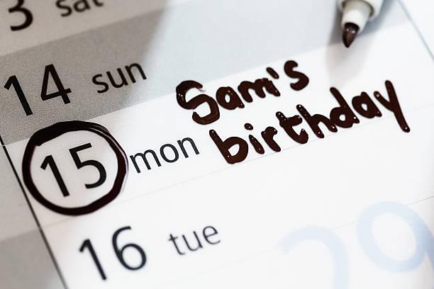 sam's birthday ist auf kalender mit einem markierten datum zu beachten: - geburtstag vergessen stock-fotos und bilder