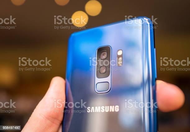 Samsung s9 smartphones dual camera lenses picture id938497492?b=1&k=6&m=938497492&s=612x612&h=xjak4zms09ik3hnvprkryjt4lc5ls ub2ecmtkmwswy=