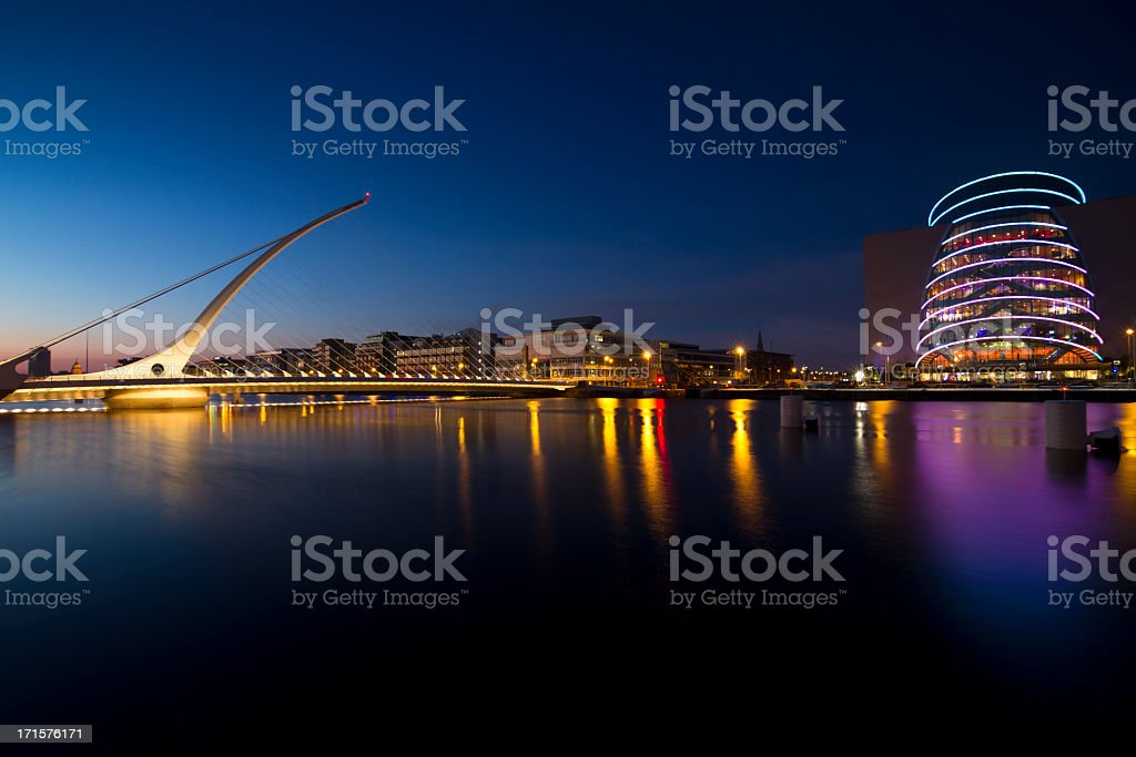 Samuel Beckett Bridge at night stock photo
