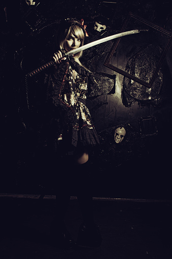 istock Samurai girl 518184078