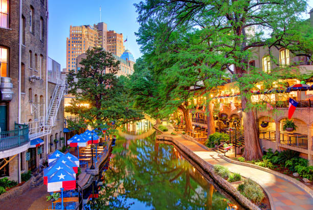 San Antonio River Walk The San Antonio River Walk is a city park and network of walkways along the banks of the San Antonio River, one story beneath the streets of San Antonio, Texas, USA. san antonio texas stock pictures, royalty-free photos & images