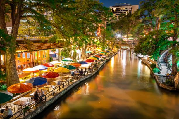 San Antonio Riverwalk Texas USA at night Long exposure night photography of San Antonio Riverwalk san antonio texas stock pictures, royalty-free photos & images