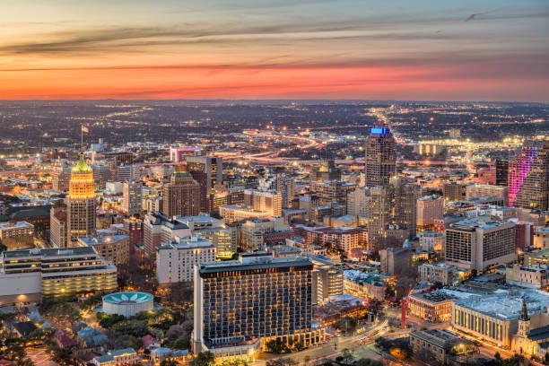 San Antonio, Texas Cityscape San Antonio, Texas, USA downtown city skyline at dusk. san antonio texas stock pictures, royalty-free photos & images