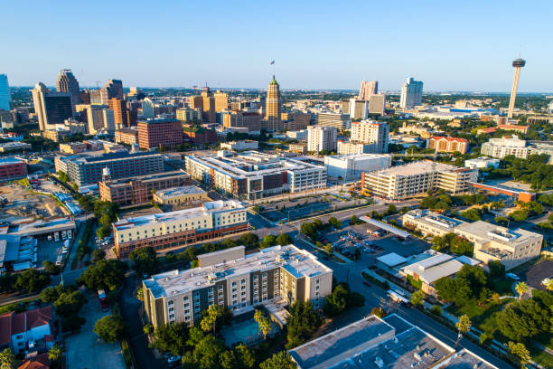 San Antonio Texas Evening Sunshine auf dem Skyline von Downtown City – Foto