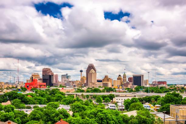 San Antonio, Texas, USA San Antonio, Texas, USA downtown skyline. san antonio texas stock pictures, royalty-free photos & images
