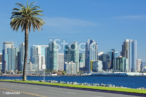 San Diego skyline features over 150 skyscrapers - office buildings and residential towers. 32of these buildings are taller than 300 feet. One America Plaza (c.1991) is the tallest building in the city at 500 feet and 34 stories. The city is ranked 95th in the world for skyscrapers density.