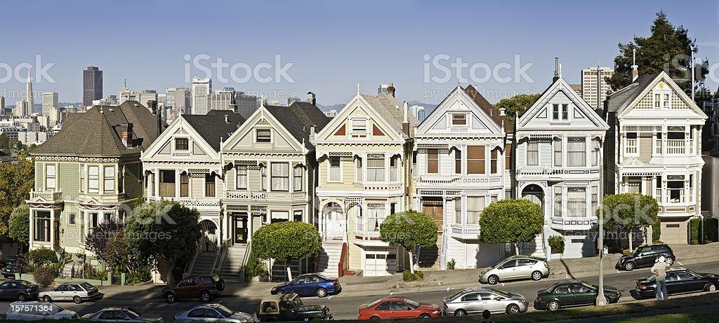 サンフランシスコ Alamy 列ビクトリア様式のヴィラの象徴的なパノラマに広がるカリフォルニアの家 ストックフォト