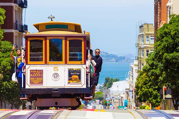 san francisco bay coming cable car front close h - spårvagn bildbanksfoton och bilder