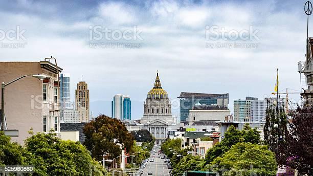 San francisco city hall picture id525960860?b=1&k=6&m=525960860&s=612x612&h=gnvejblteesaju14jjjdmha9mpok1f5sgjbpytvcx i=