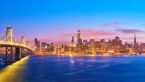 Skyline de San Francisco en la puesta del sol, California, EEUU - foto de stock