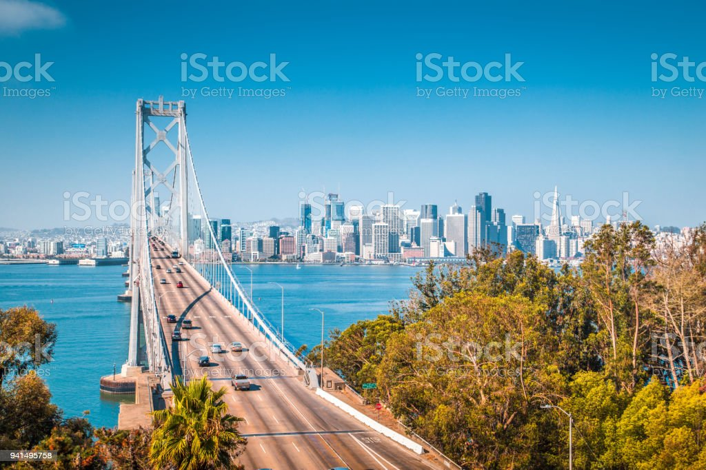 Skyline von San Francisco mit Oakland Bay Bridge, Kalifornien, USA – Foto