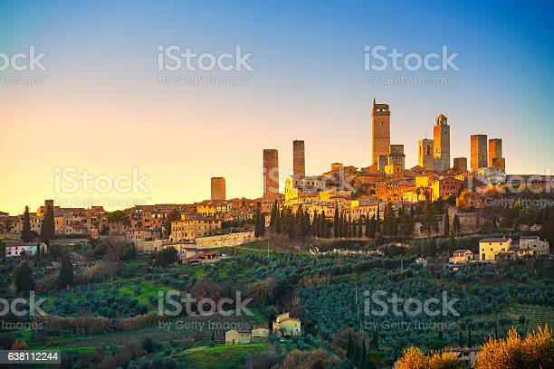 San gimignano town skyline and medieval towers sunset tuscany picture id638112244?b=1&k=6&m=638112244&s=612x612&h=oaqxbv qtxnrfvmtu2nw7rzp5dlqzdo0lghaca77n c=