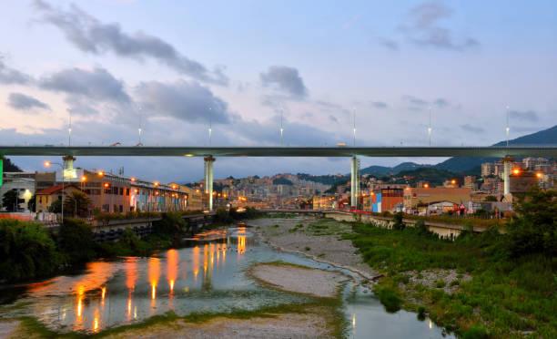 san giorgio pont gênes italie - pont gênes photos et images de collection