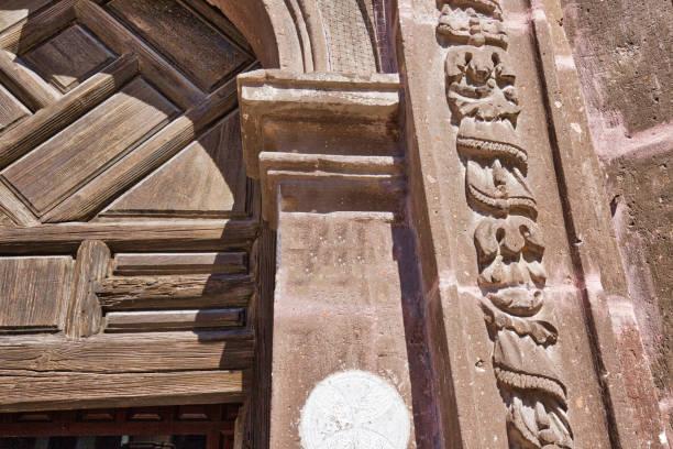 san miguel de allende, tarihi şehir merkezinde nuestra senora de salud kilisesi - salud stok fotoğraflar ve resimler