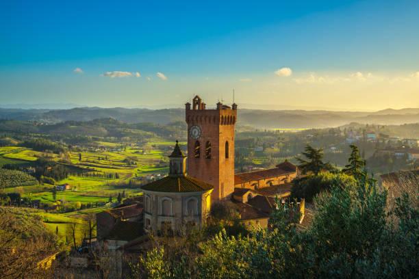 san miniato klokkentoren van de kathedraal. pisa, toscane italie europa. - pisa stockfoto's en -beelden