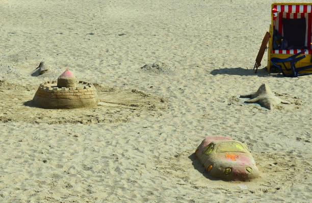 sand buildings - kalifornien ostsee stock-fotos und bilder
