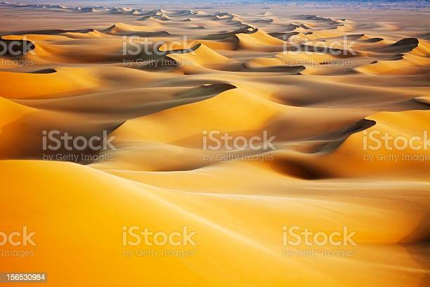 Sand dunes at sunrise picture id156530984?b=1&k=6&m=156530984&s=612x612&h=dghgvjuyrn zlwqxkpco1wxogtqwut86rwnuxxvwhl4=
