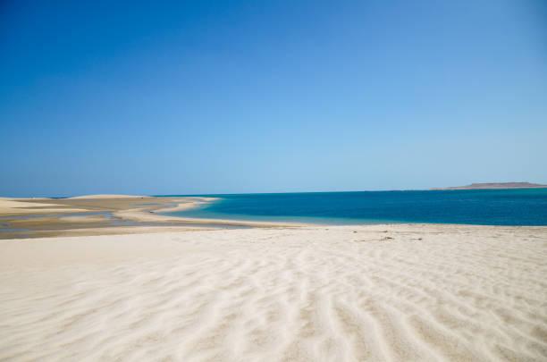 Sanddünen, Abstieg ins Meer – Foto