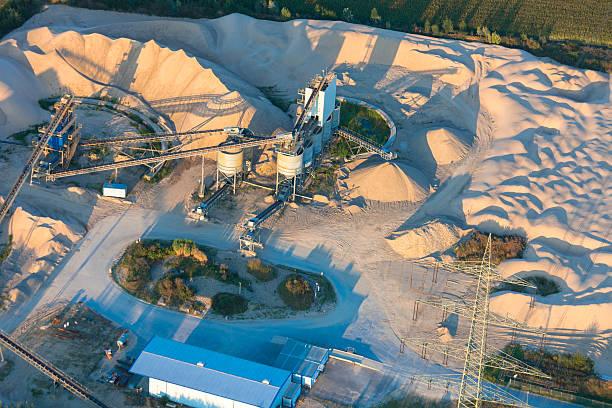 sand steinbruch in der unteren rhein region von deutschland - aerial view soil germany stock-fotos und bilder