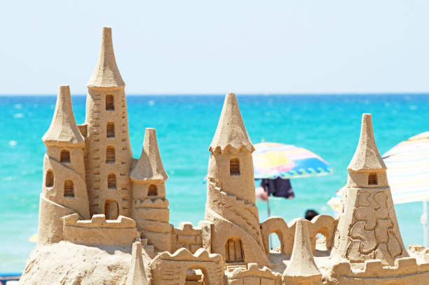 sand_castle - chateau de sable photos et images de collection