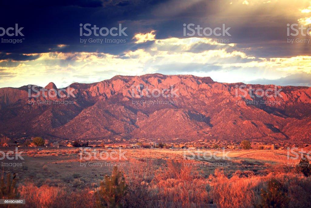 サンディア山脈 - なだらかな起...