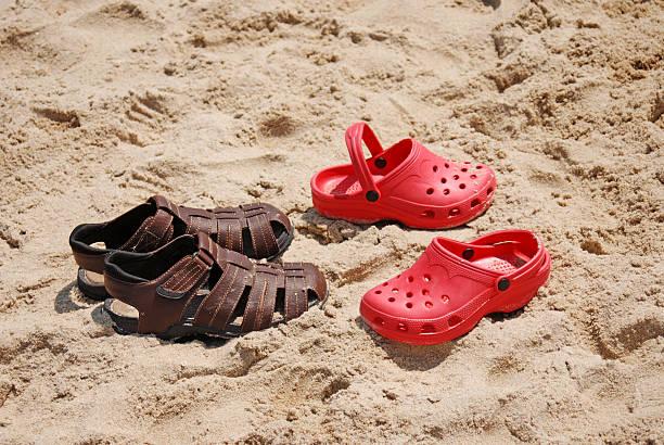 Sandles dans le sable d'été - Photo