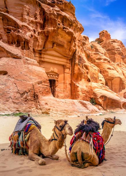 Sandsteinhöhlen in Little Petra, Altstadt von Petra, Jordanien – Foto