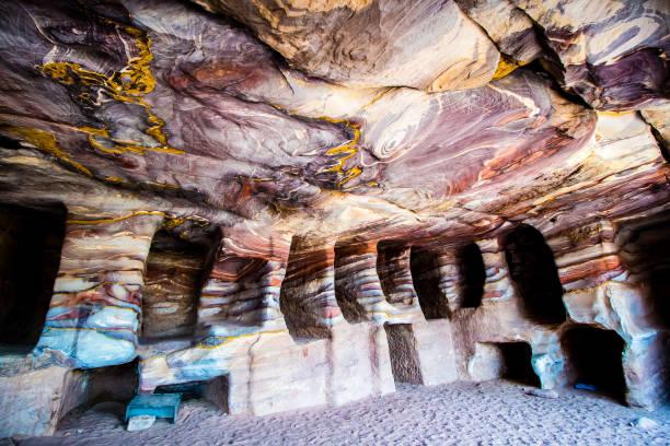 Sandstone rockcut tombs in petra picture id851881888?b=1&k=6&m=851881888&s=612x612&w=0&h=tamaod4ar5nk5l3o6brvdddstqzltfdzlpqoo6j ntu=
