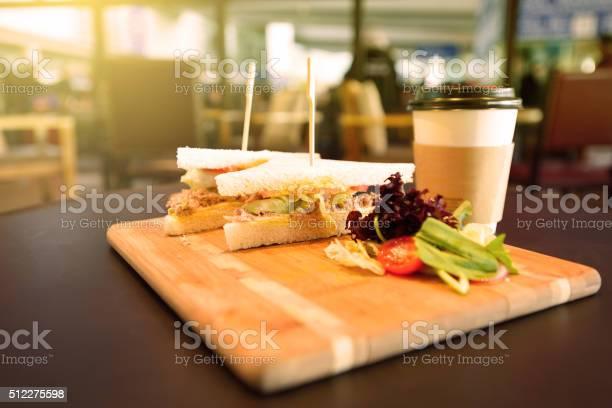 Sandwich and coffee picture id512275598?b=1&k=6&m=512275598&s=612x612&h=a4jilpj7mxkaxooeireqrtwm rmqnojlmhjcncso2 w=