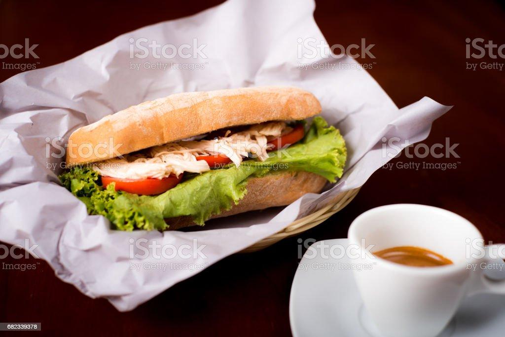 Sandwich de pollo (Chicken Sandwich) foto stock royalty-free