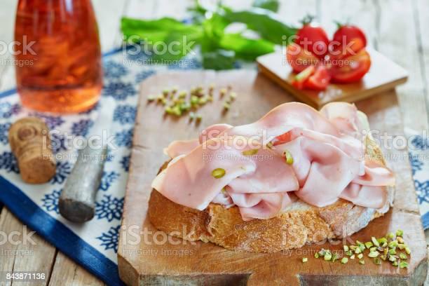 Sandwich With Mortadella - Fotografie stock e altre immagini di Alimentazione sana