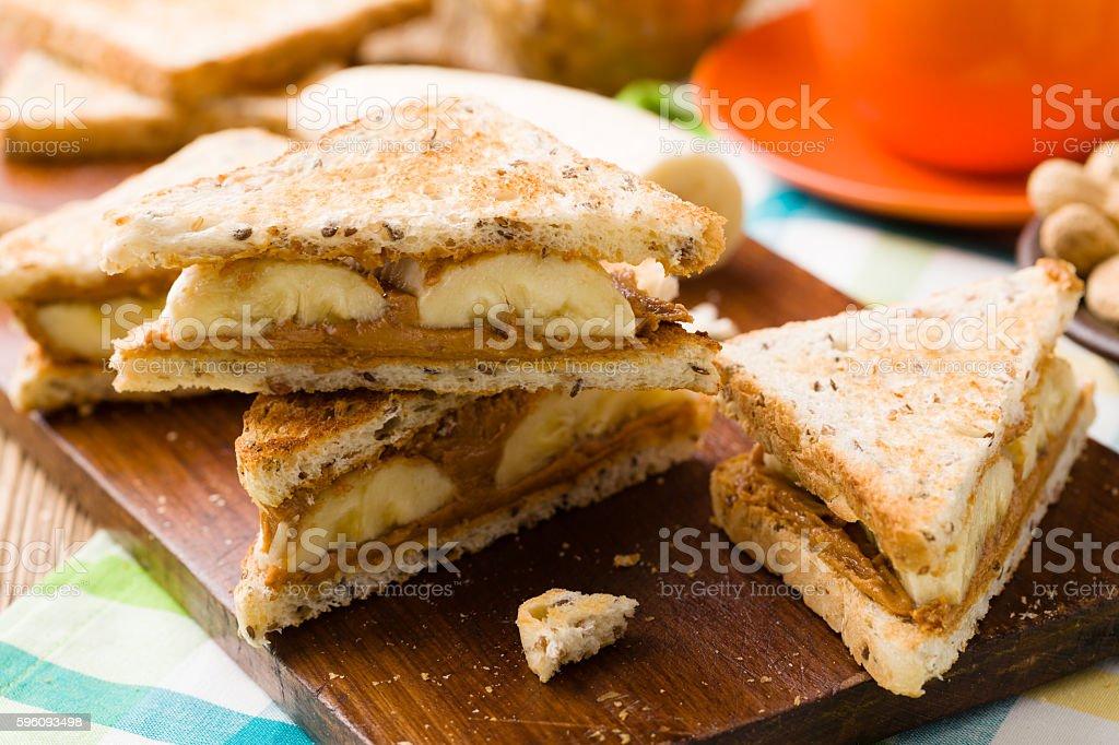 sandwich mit Erdnussbutter und Bananen Lizenzfreies stock-foto