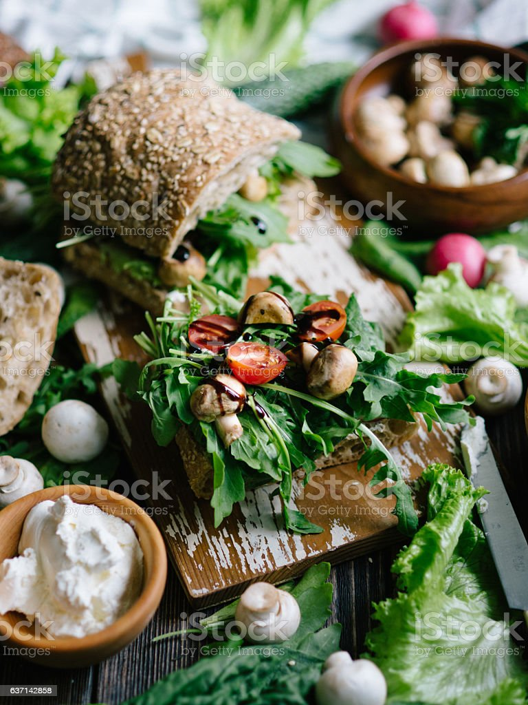 Sandwiches with fresh arugula​​​ foto
