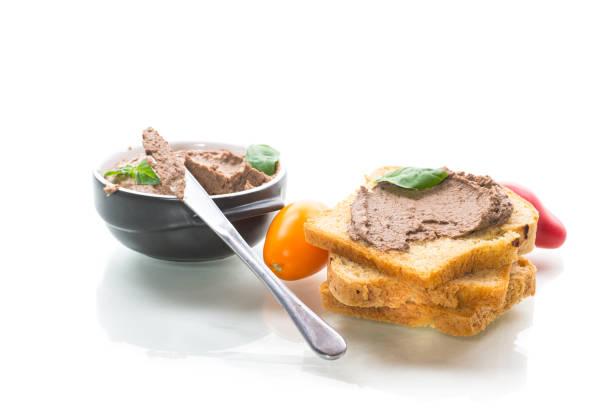 三明治與自製的雞肝餡餅特寫圖像檔