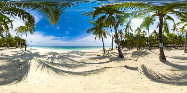 playa de arena y mar tropical. isla panglao, filipinas. vista de 360 grados - 360 fotografías e imágenes de stock