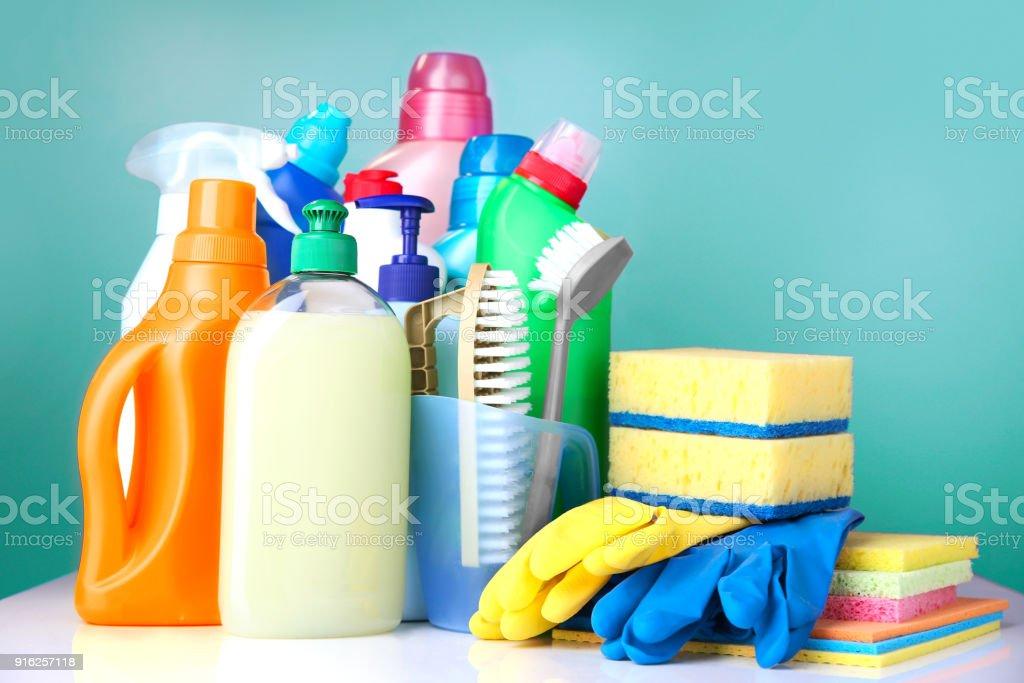 Fournitures de bureau sanitaires nettoyage ménagers domestiques