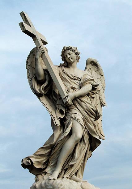 Sant Angelo bridge angel mit Kreuz in Rom, Italien – Foto
