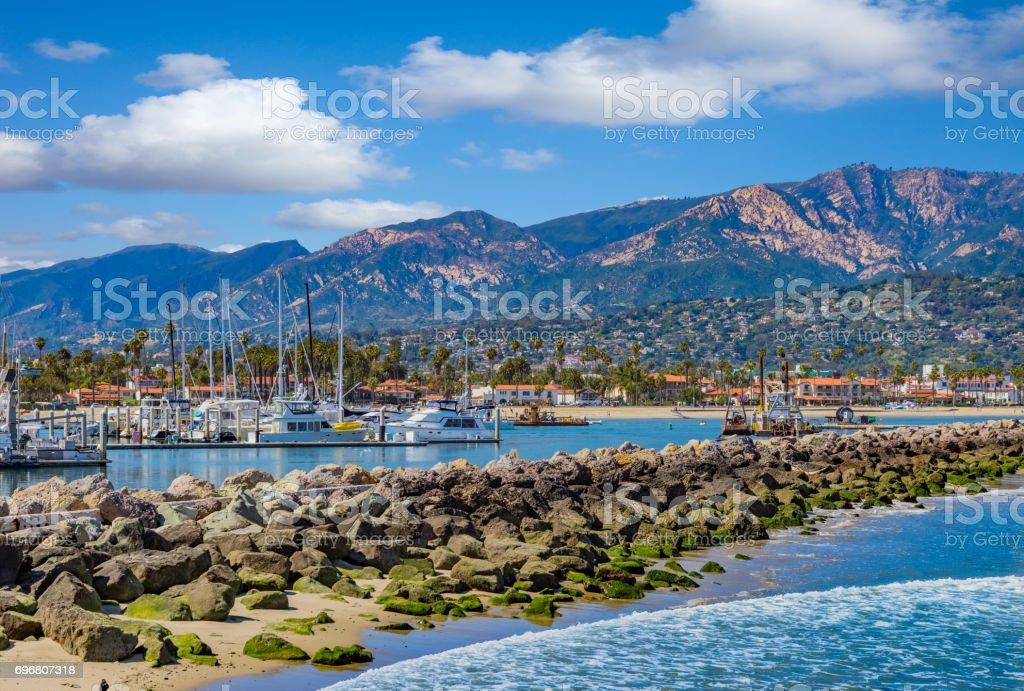Santa Barbara Marina Küste Wellenbrecher mit Sportboote, CA – Foto