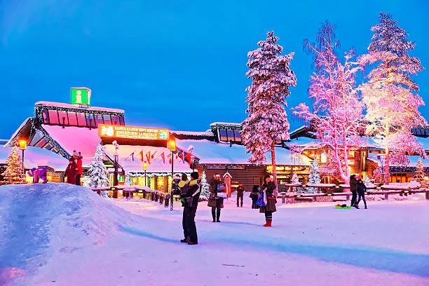 santa claus büro in rovaniemi town, finnisch-lappland - nikolaus geschichte stock-fotos und bilder