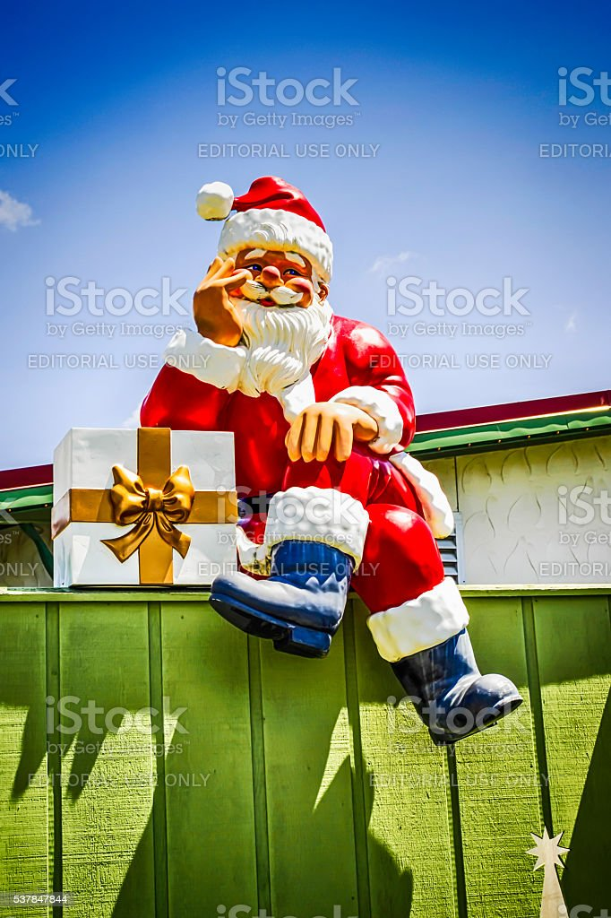 Bronners Christmas.Santa Claus Statue At Bronners Christmas Wonderland Frankenmuth Mi Stock Photo Download Image Now