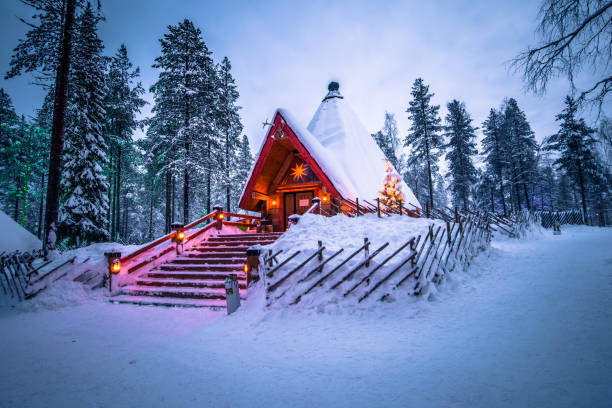 rovaniemi - 16 december 2017: santa claus village i rovaniemi, finland - by bildbanksfoton och bilder