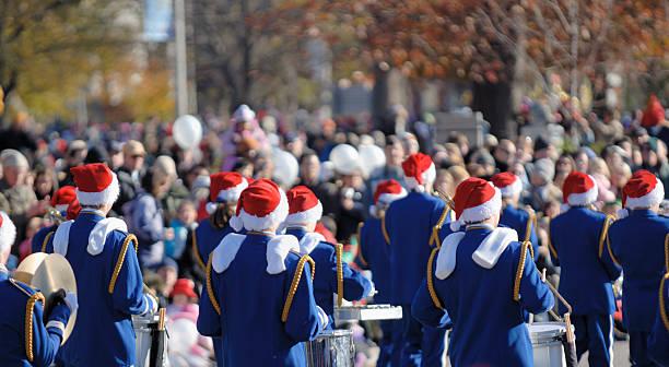 santa clause parade - geçit töreni stok fotoğraflar ve resimler
