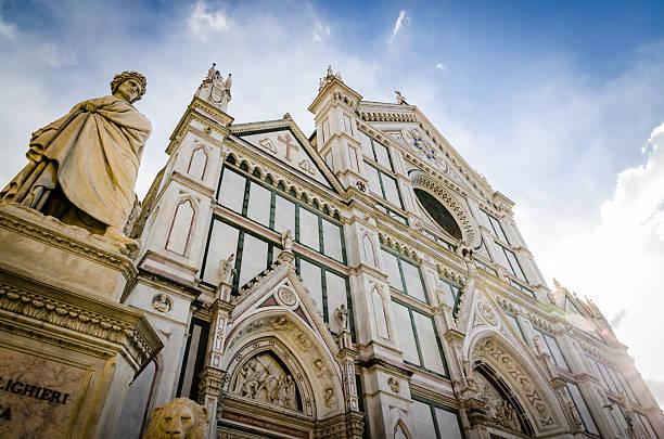 basilica di santa croce e dante alighighieri statua di firenze - dante alighieri foto e immagini stock