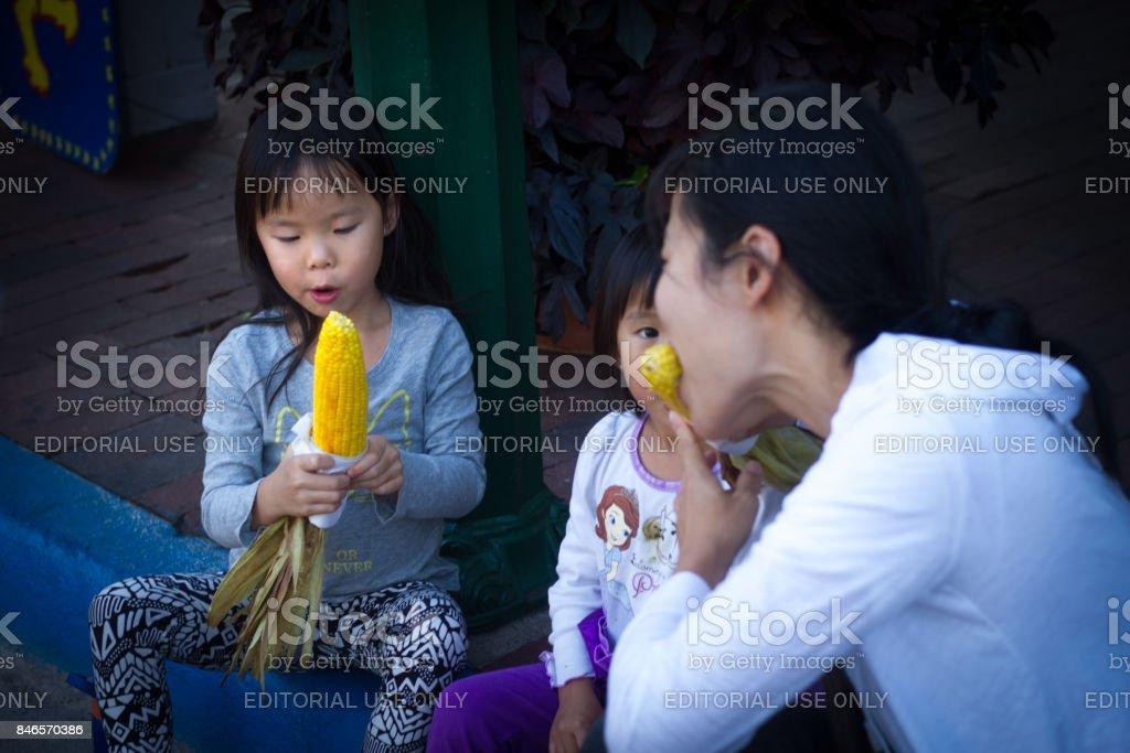 Santa Fe Nm Usa Eating Sweet Corn During Fiesta Celebrations