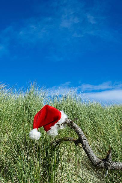 santa an feiertagen - wellness ostsee stock-fotos und bilder