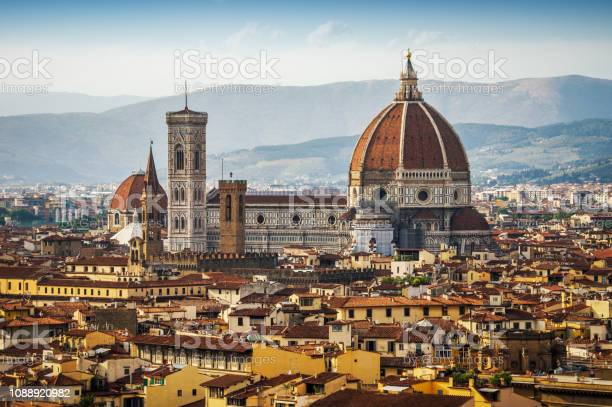 Santa maria del fiore duomo florence italy picture id1088920982?b=1&k=6&m=1088920982&s=612x612&h=kgf7 j1cj9kywwnncd1zvtdssxqqf00ilp9n05wlnk4=
