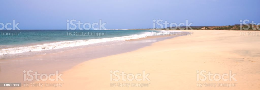 Santa Monica Beach, 18km of sand at the south of Boa Vista, Cape Verde - foto stock