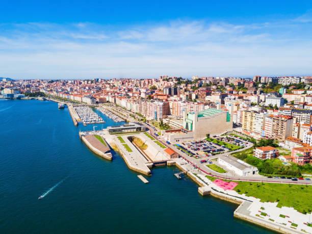 santander city aerial view, spain - santander zdjęcia i obrazy z banku zdjęć