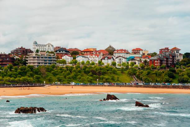 Santander, Spain A view of a beach in Santander, Spain. santander spain stock pictures, royalty-free photos & images