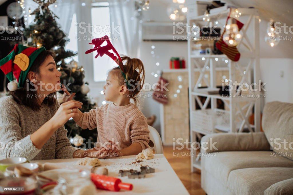 """Kleine Santa """"s helpers - Lizenzfrei 2-3 Jahre Stock-Foto"""